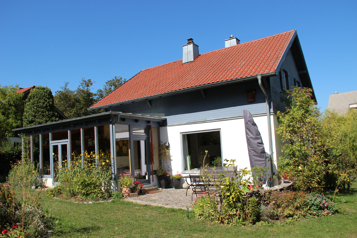 einfamilienhaus 5 zimmer mit wintergarten gro er garten regensburg s d. Black Bedroom Furniture Sets. Home Design Ideas
